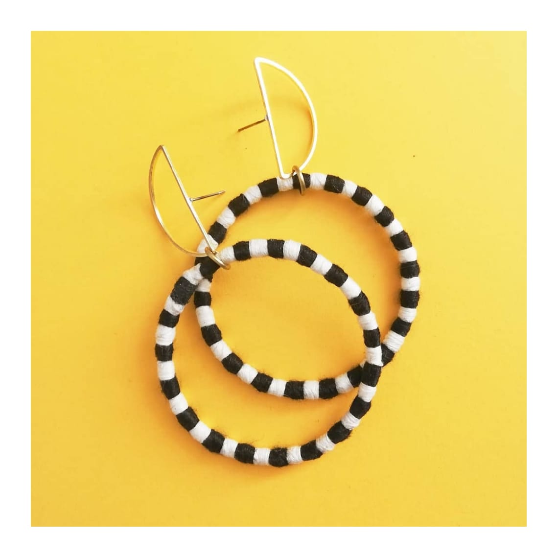 Medianoche Earrings by Mandarina by Dre | Inspire Me Latin America